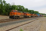 BNSF 7035 Slows to a quick stop!