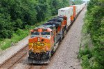 BNSF 4622 Brings up the rear on a 10,000 ft stack.