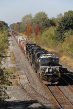 A pair of AC GEVO's lead two more units east with 14W