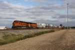 BNSF 4562 & 7307 head west leading Q171
