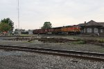 BNSF 5625 & 1056 roll east through Deshler on Track 1 with K010-18