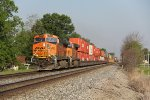 With just a few miles to go to its destination at North Baltimore, BNSF 7401 leads Q172 out of Deshler