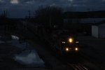 As darkness takes over, CP 9619 & 9640 roll south with 484