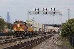 Coming out of Cicero, BNSF 5266 leads Z-CHCSSE through the crossovers to Main 1