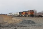 BNSF 6750 leads 10R east through Pine