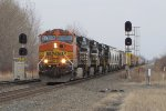 BNSF 4958 splits the signals at 499 leading 33G west