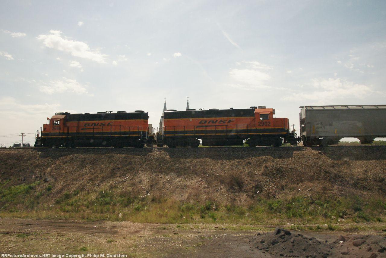 BNSF 2668, 2902
