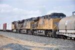 Mid-train DPUs on eastbound manifest