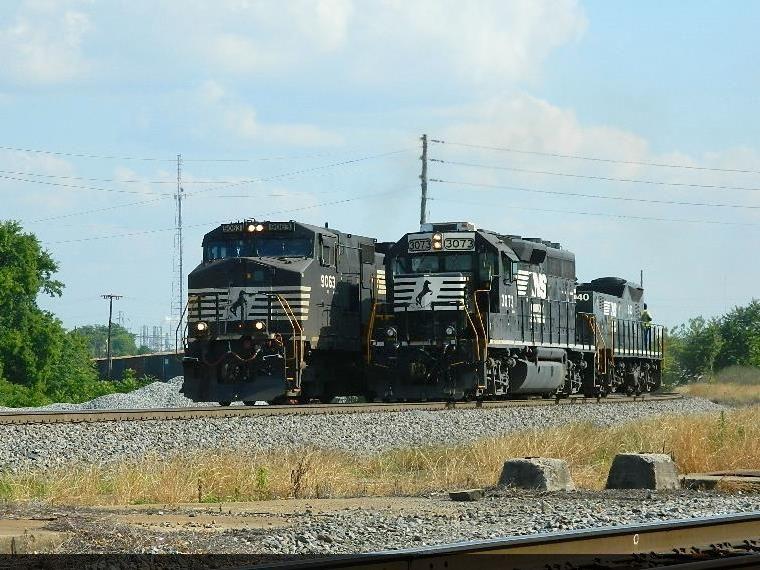NS 9063(C40-9W) 7596(ES40DC)   3073(GP40-2) 940(RP-E4D)