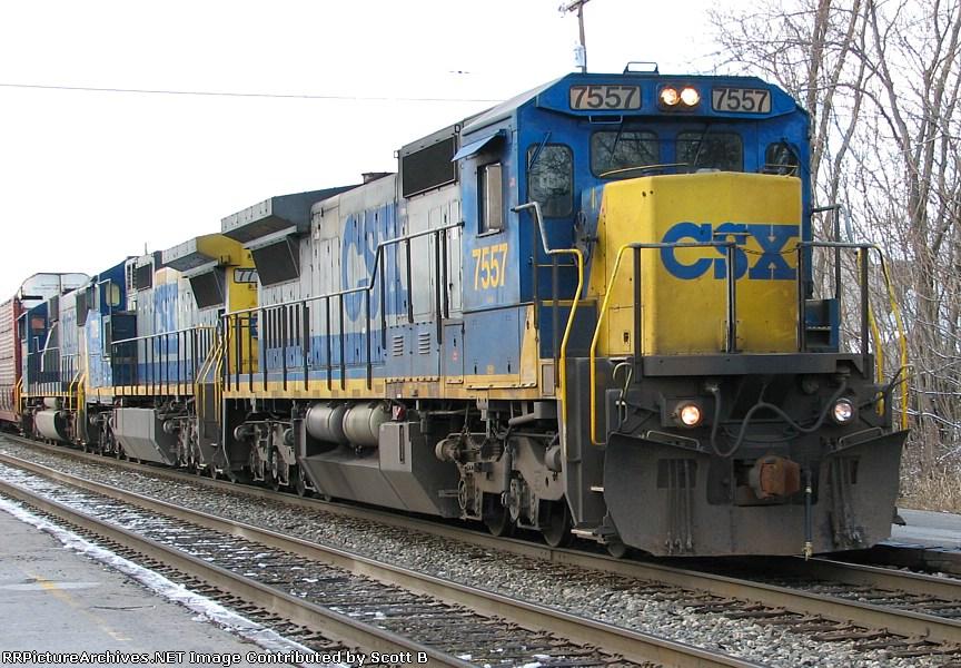 CSX 7557 A very short Q200