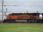 BNSF ES44C4 6672