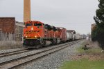 BNSF 9186 & 9134 drop downhill into town with Q335-27