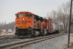 BNSF 9186 & 9134 roll into the yard on the Even Lead as they head for 6 Track with Q335