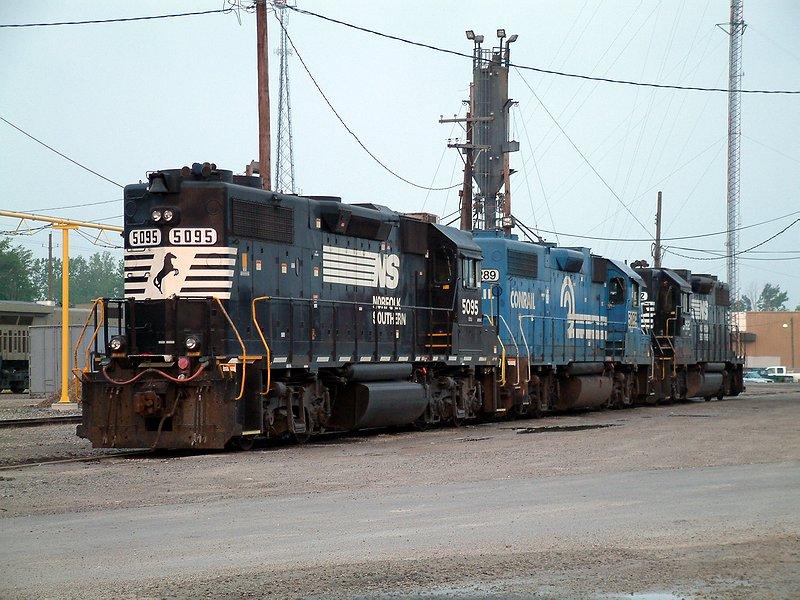 GP38-2 lineup