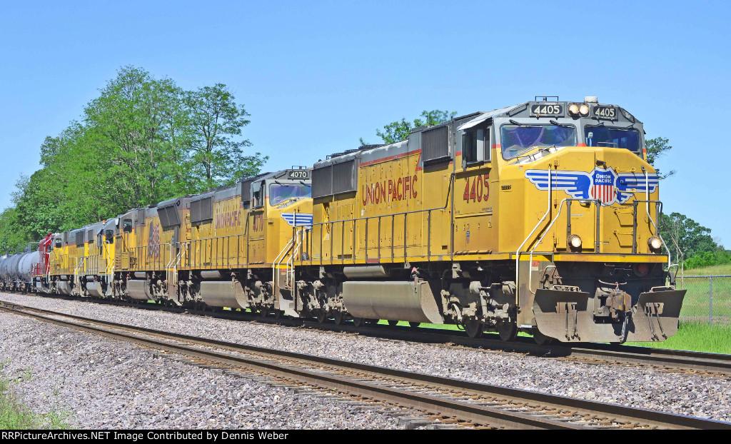 UP  4405,  UP's   Altoona    Sub.
