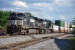 Westbound intermodal approaches diamond