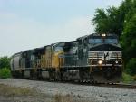NS 9368(C40-9W) UP 3899(SD70M) 7680(ES40DC)