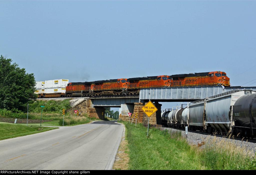 BNSF 7806 Heads a EB z train toward Galesburg.