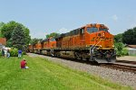 BNSF 7869 Rips a 5 unit stack train EB.