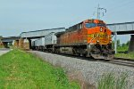 BNSF 5647 Heads up a 1 unit Wonder on a Z Train!