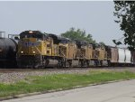 4 engine mix freight