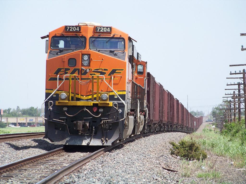 BNSF ES44DC 7204