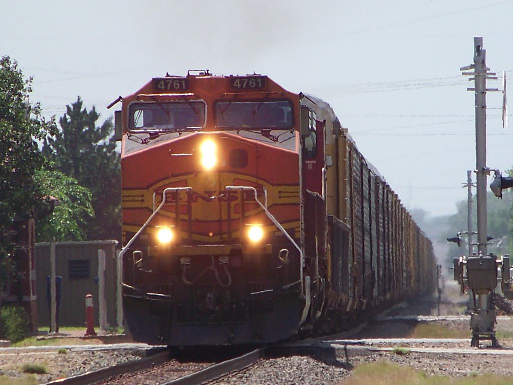 BNSF C44-9W 4761