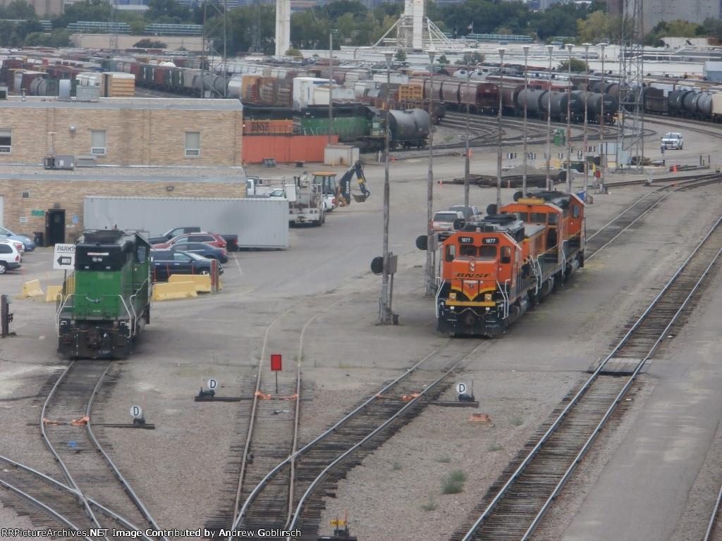 BNSF 1877, 258, 1785, 1987 & 1913