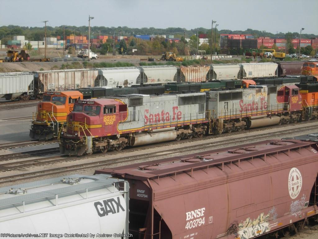 BNSF 8232, 8238, 8243 & 8292