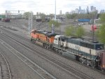 BN 9515 & BNSF 6111 headed into the yard