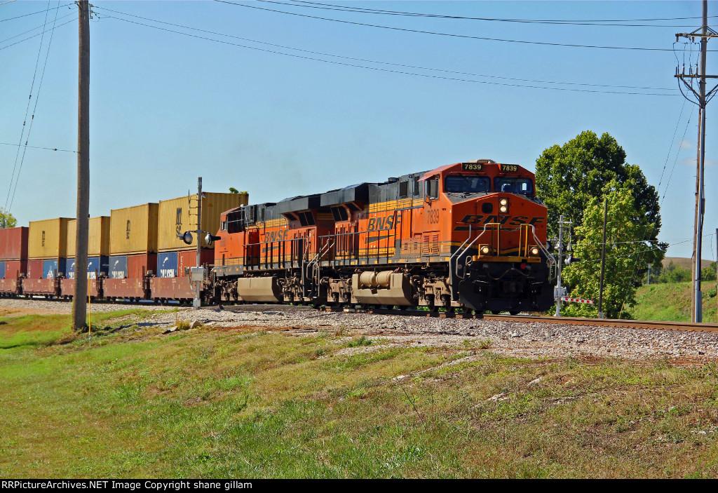 BNSF 7839 Leads a stack toward Saint Louis Mo.