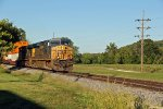 CSX 5482 leads the IVNKC WB.