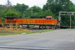 BNSF 4656 Brings a NB ore train into Town!