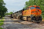BNSF 5884 Gives a nice Wave!