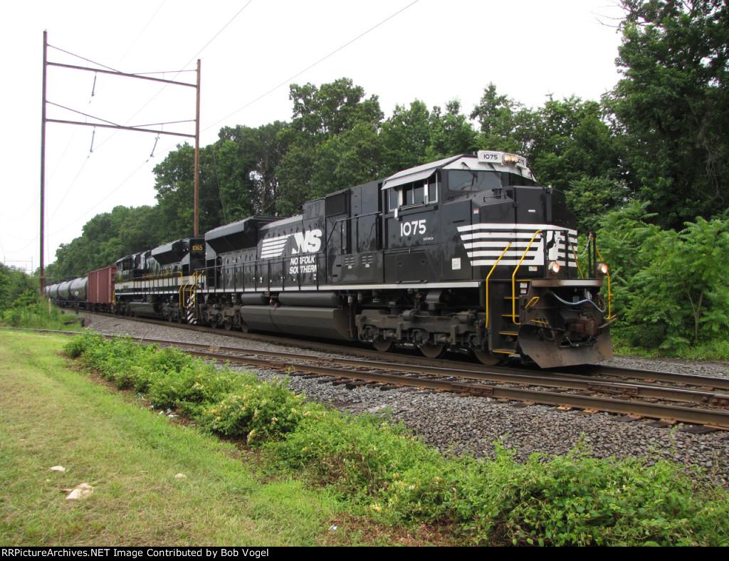 NS 1075