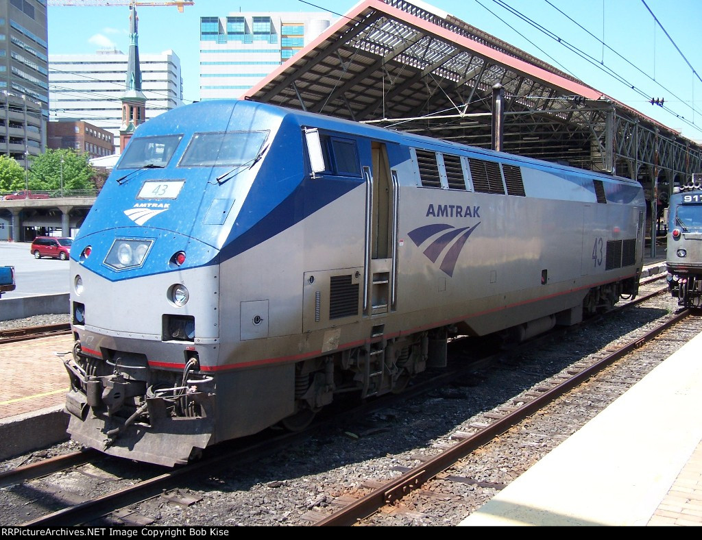 Amtrak 43 at Harrisburg Station