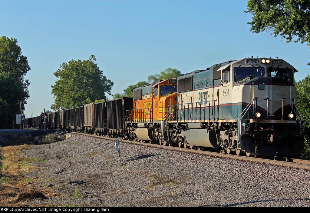 2 Mac's work a empty coal train Nb.