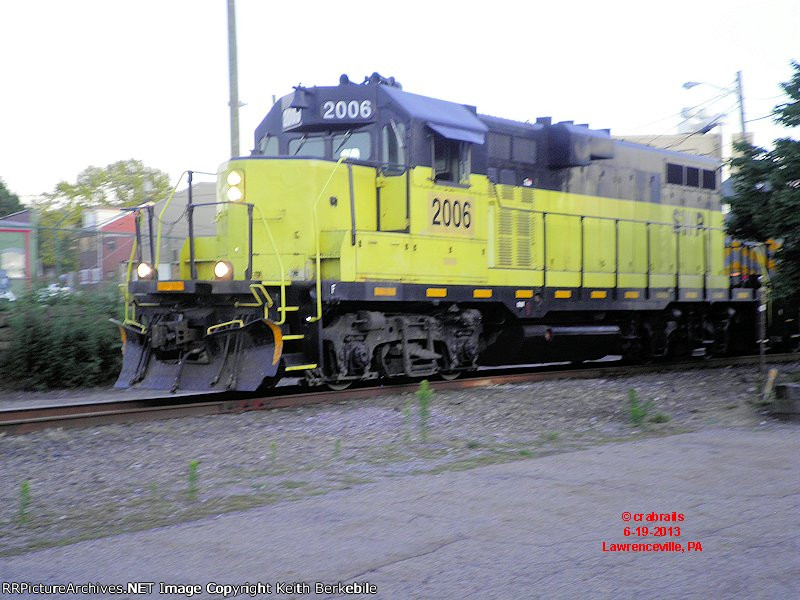 Southwest Pennsylvania RR GP11 #2006 just after crossing 39th St. enroute to the Strip District.