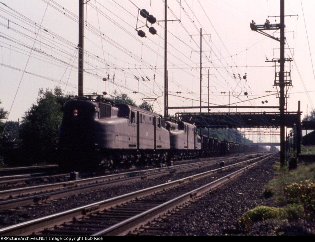 CR 4889 East, with an ore train