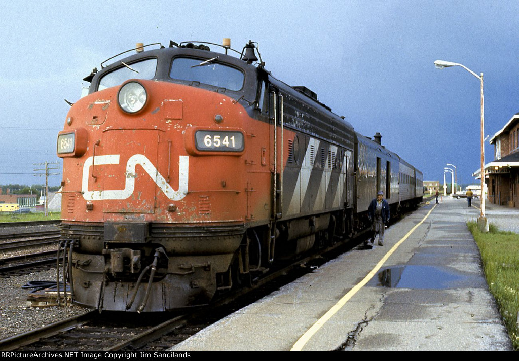 ONR Northland at Cochrane with CN 6541