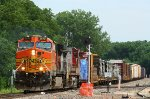 BNSF 4670 and a Warbonnet
