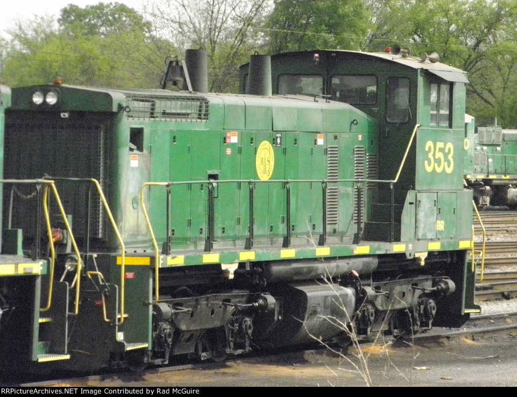 BS 353