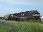 NS 8013(ES44AC) 6710(SD60)