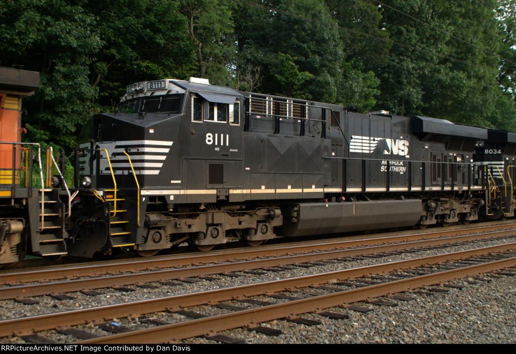 NS ES44AC 8111 trails on K040-29