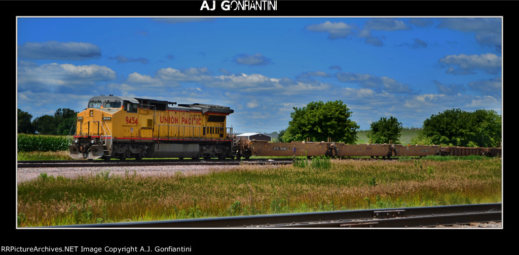 UP 9454 on the mainline at Janesville with I-JAG2-R-23