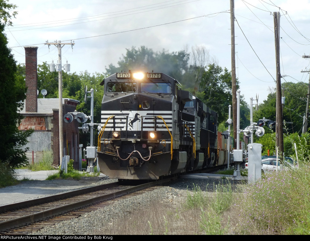 NS 9170 leads 22K east