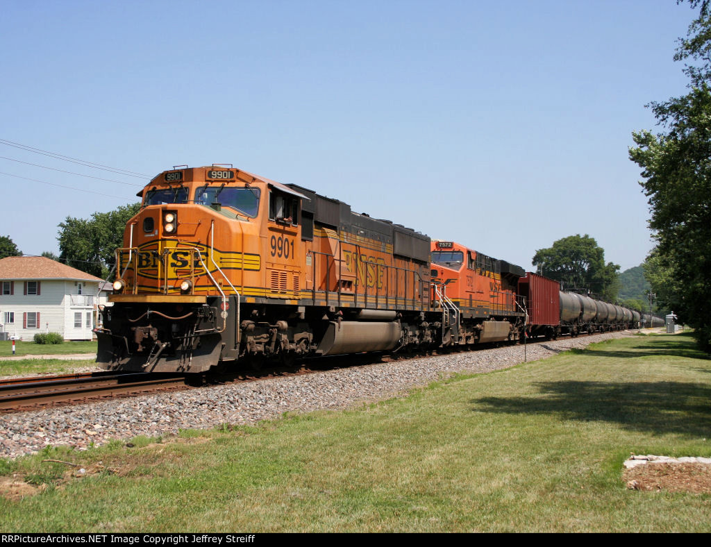 BNSF 9901