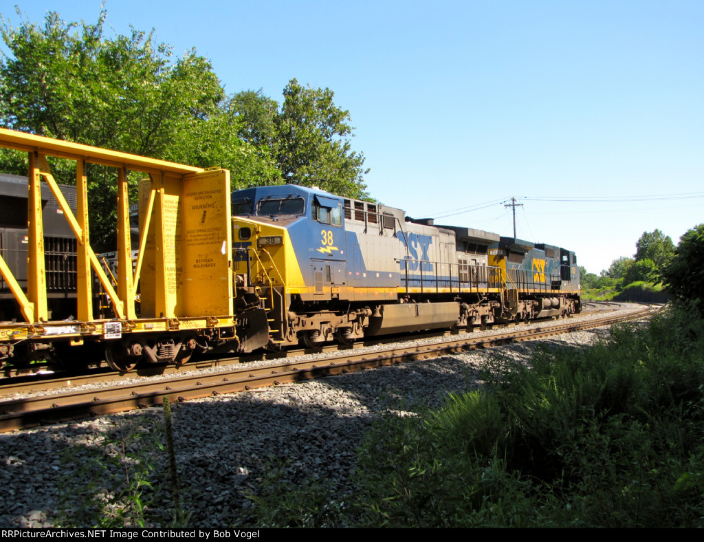 CSX 38 and 7333