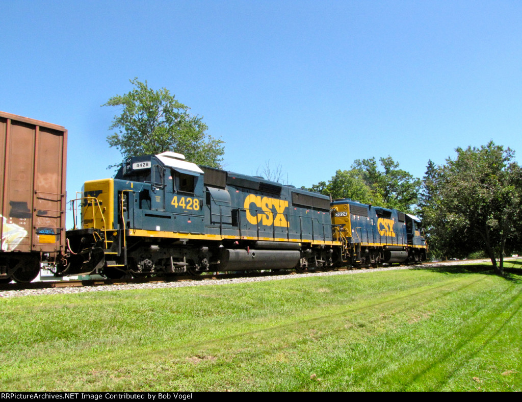 CSX 4428 and 2624