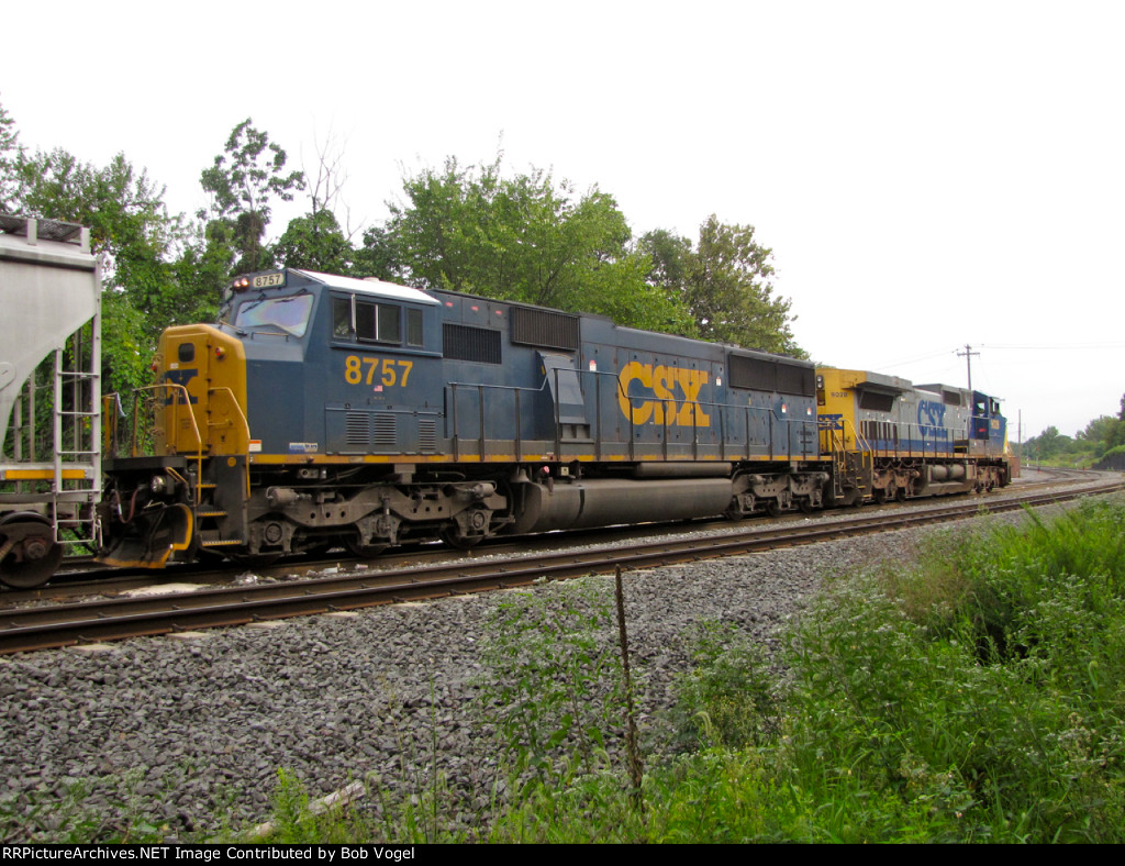 CSX 8757 and 9028